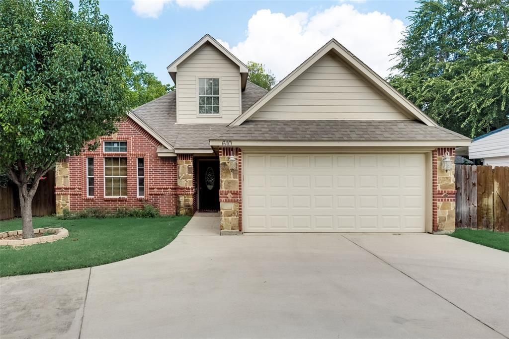 610 Harrisdale Ave, River Oaks, TX 76114