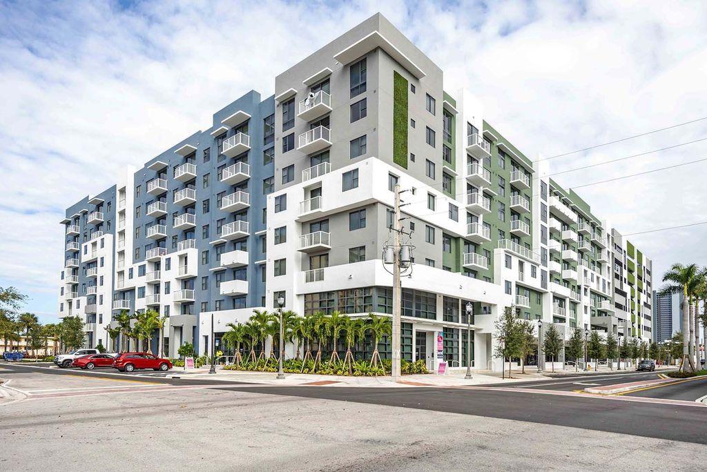 2145 NE 164th St, North Miami Beach, FL 33162