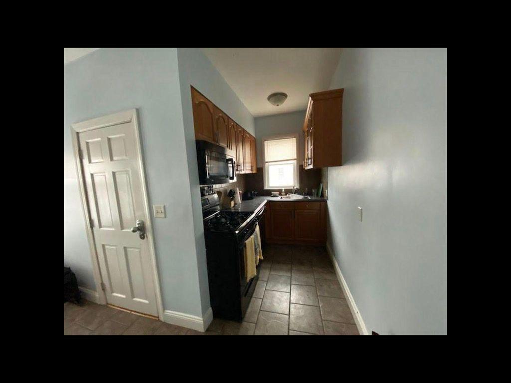 8 Eaton St #1, Providence, RI 02908