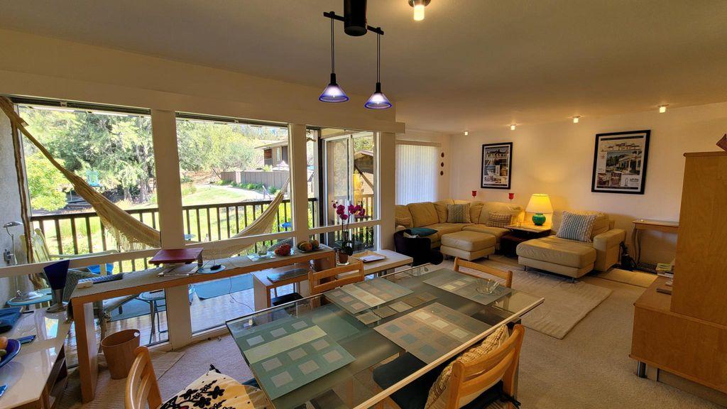 72 Surrey Ln #72, San Rafael, CA 94903