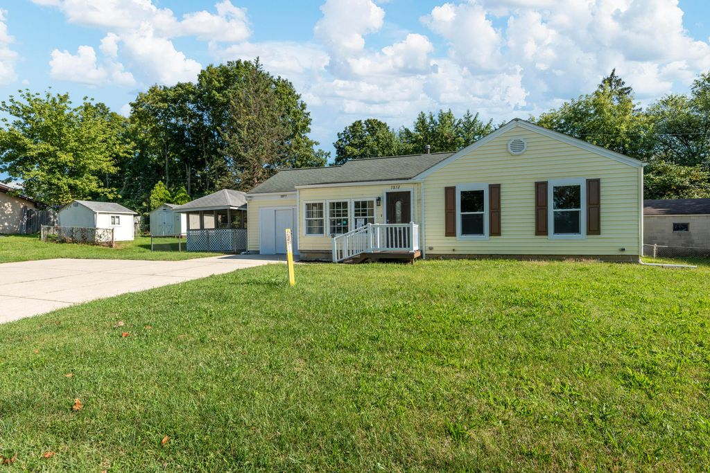 3852 Clime Rd, Columbus, OH 43228