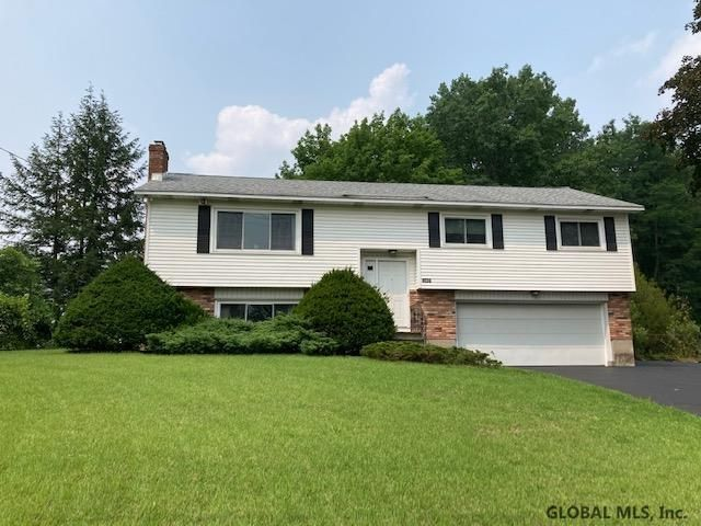 3089 E Old State Rd, Schenectady, NY 12303