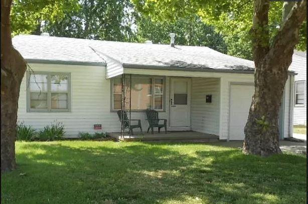 2243 S Dellrose St, Wichita, KS 67218
