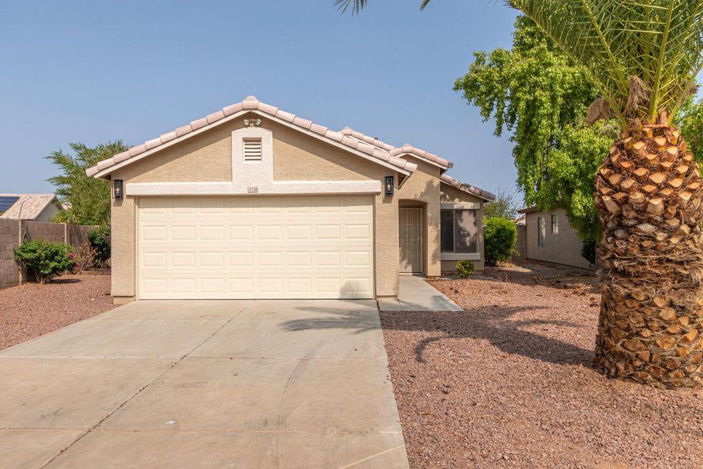 15738 W Cottonwood St, Surprise, AZ 85374