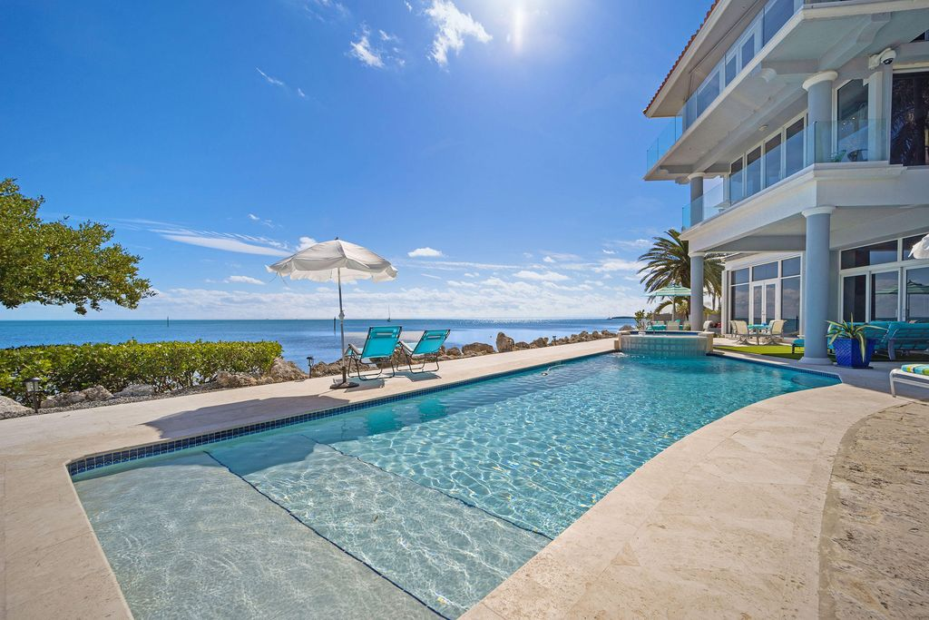 251 S Ocean Shores Dr, Key Largo, FL 33037