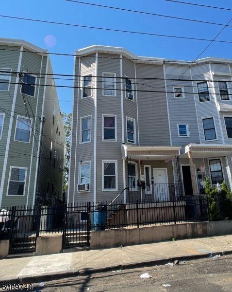 24 17th Ave, Paterson, NJ 07501