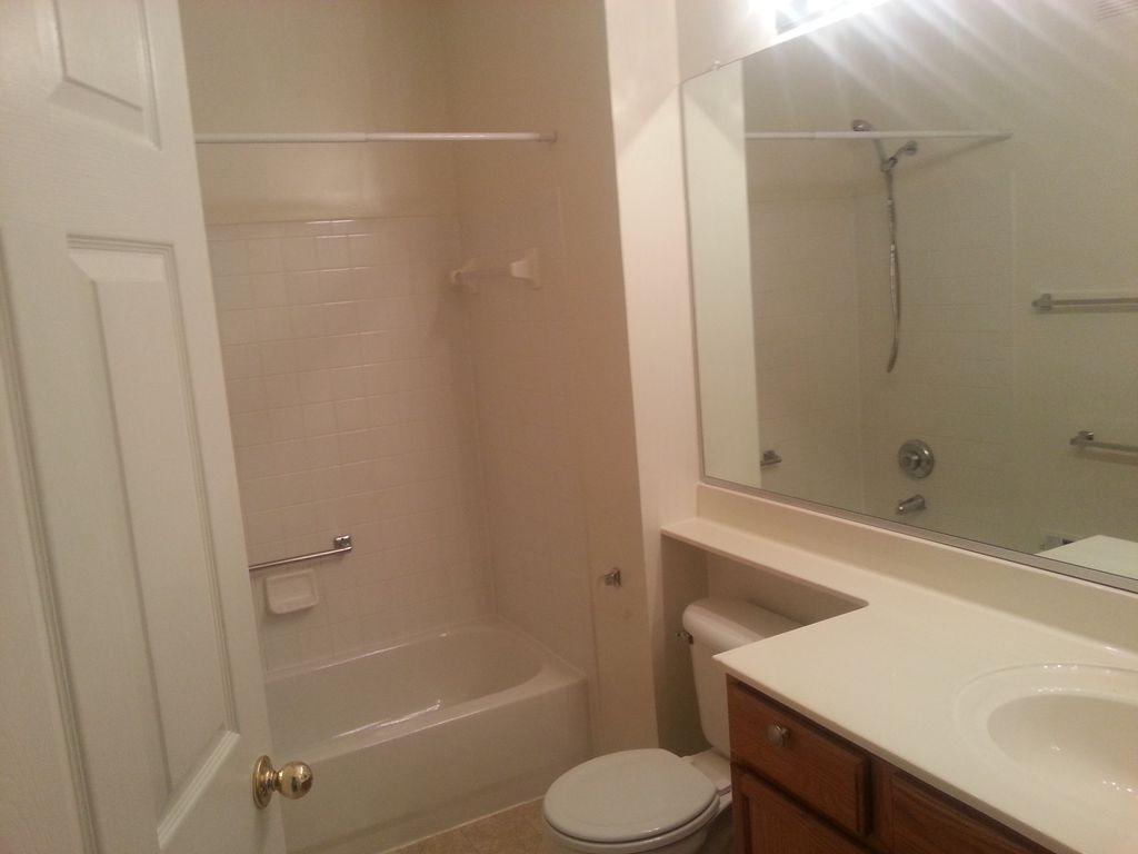 4132 Fountainside Ln, Fairfax, VA 22030