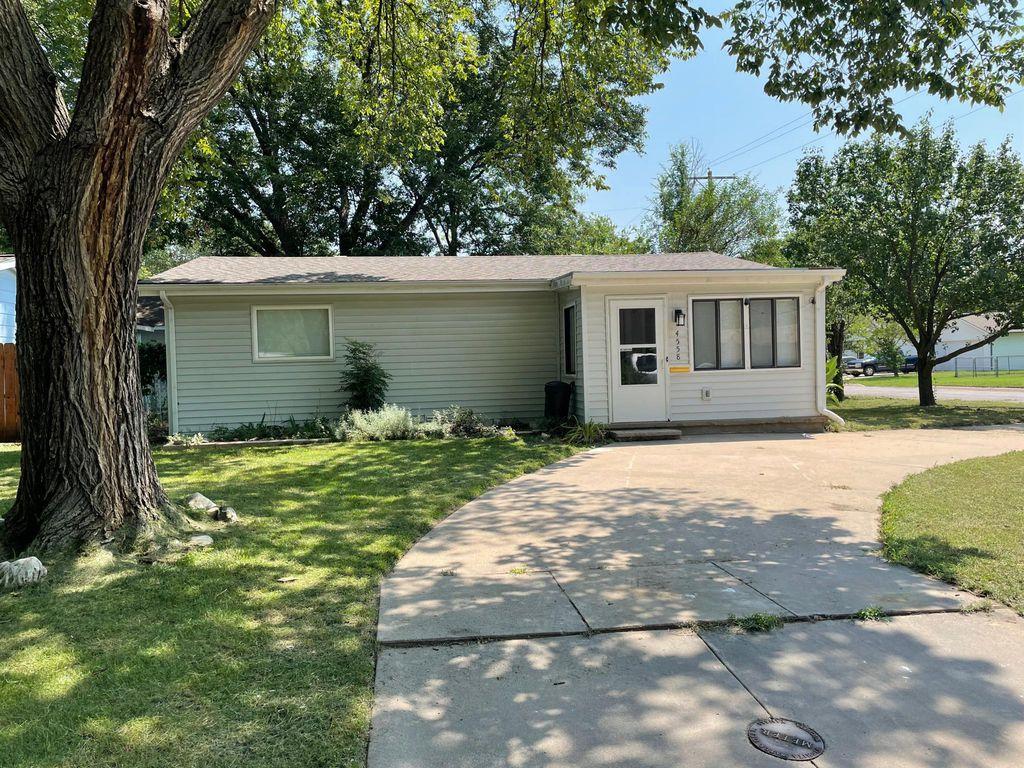 4558 S Vine Ave, Wichita, KS 67217