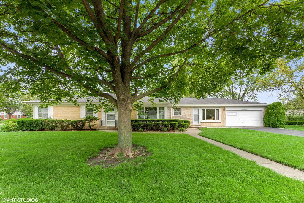 102 E Orchard St, Arlington Heights, IL 60005