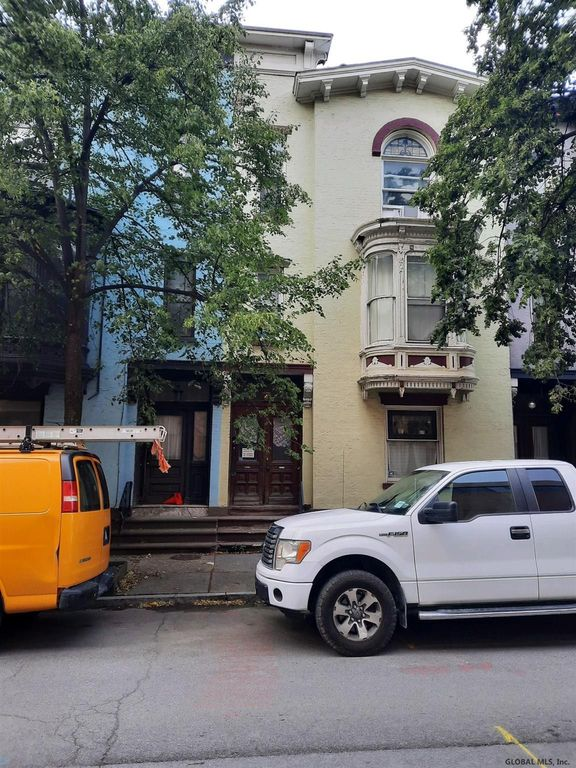 3 Saint Pauls Pl, Troy, NY 12180