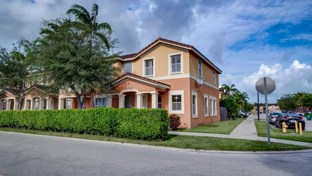 24093 SW 109th Ave, Homestead, FL 33032
