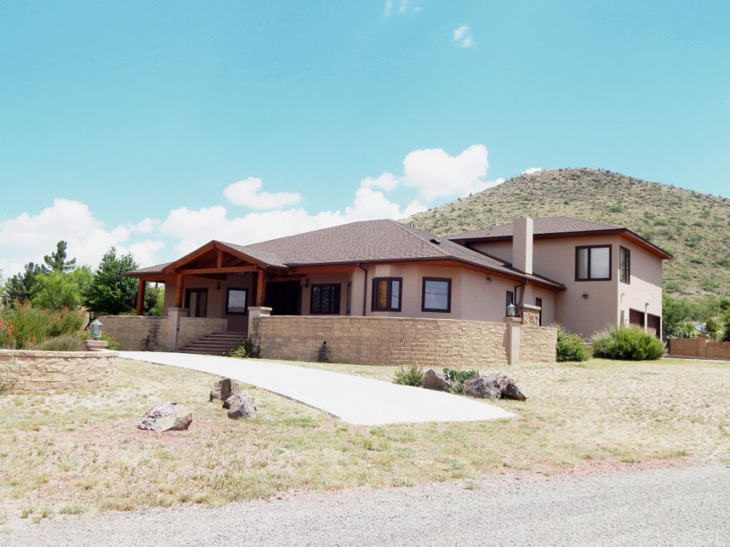 902 N Bird St, Alpine, TX 79830