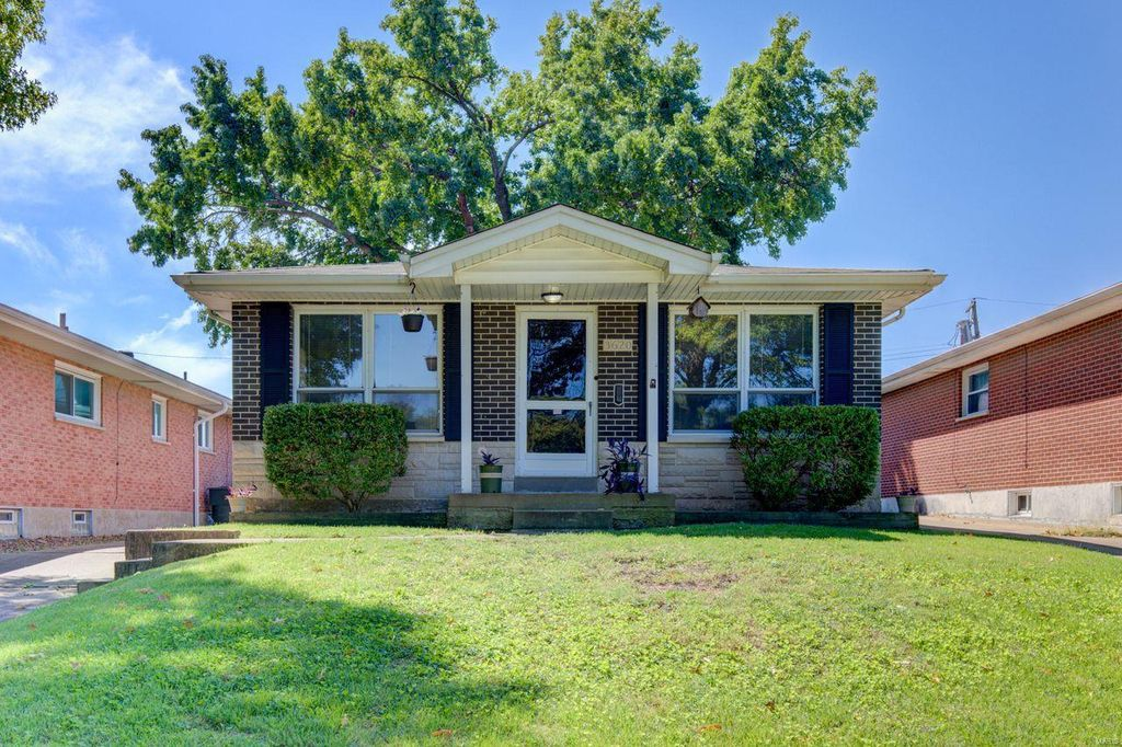 3620 Loughborough Ave, Saint Louis, MO 63116