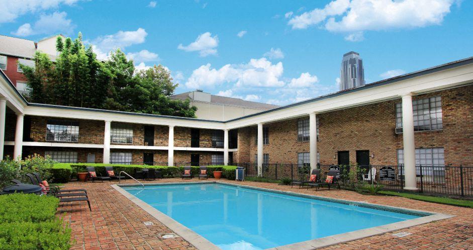 2425 Sage Rd, Houston, TX 77056