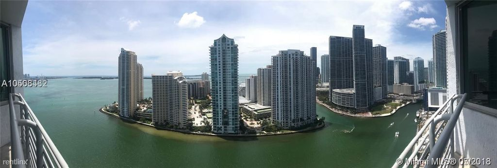 325 S Biscayne Blvd #3221, Miami, FL 33131