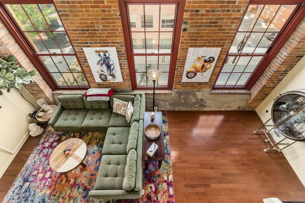 544 S Front St #317, Columbus, OH 43215