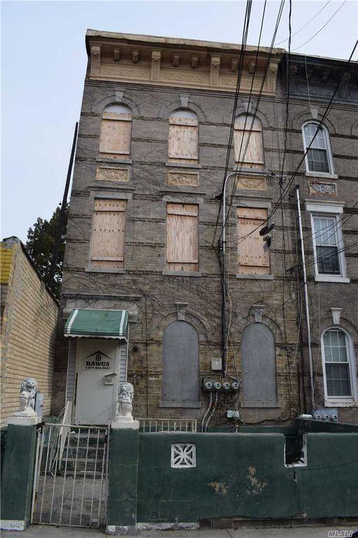 281 Wyona St, Brooklyn, NY 11207
