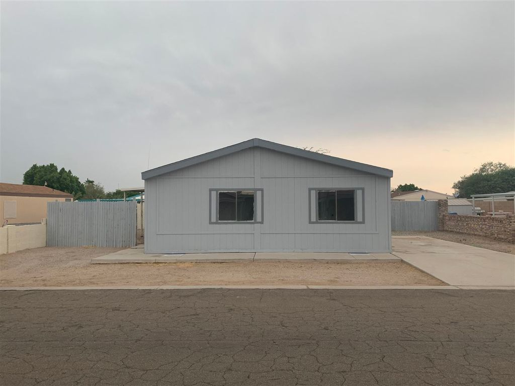 11348 S Hummingbird Ln, Yuma, AZ 85365