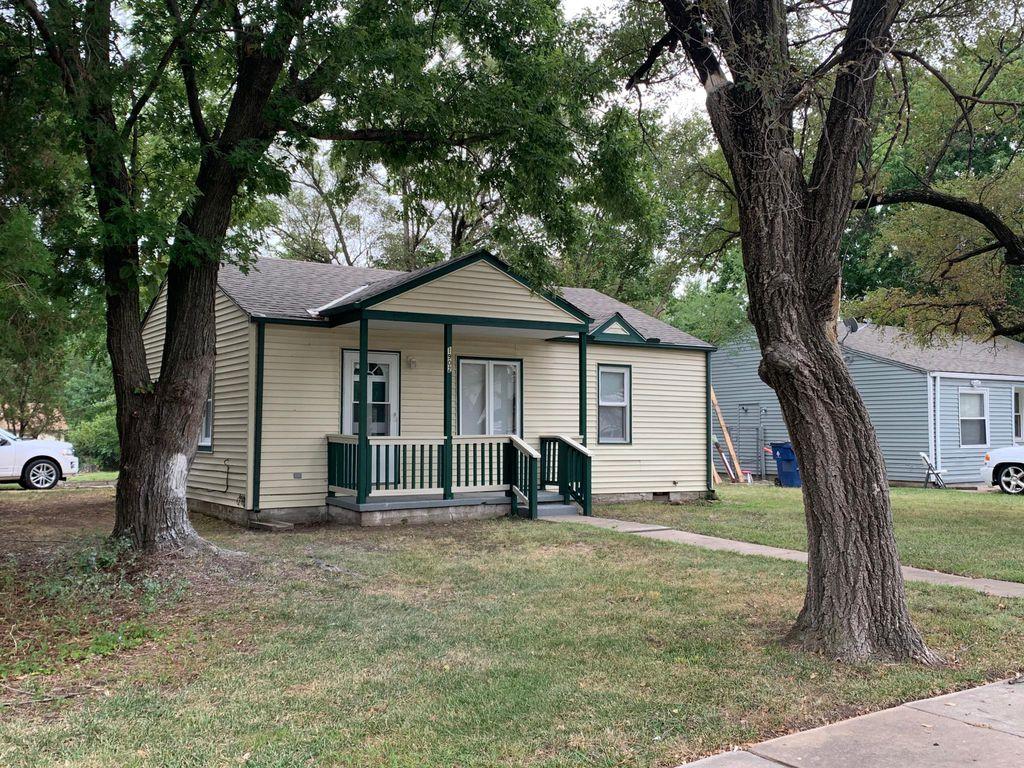 1902 S Edgemoor St, Wichita, KS 67218