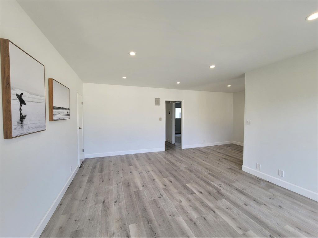 1469 S Canfield Ave #4, Los Angeles, CA 90035