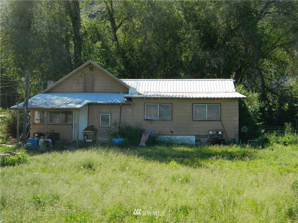 814 Highway 7, Tonasket, WA 98855