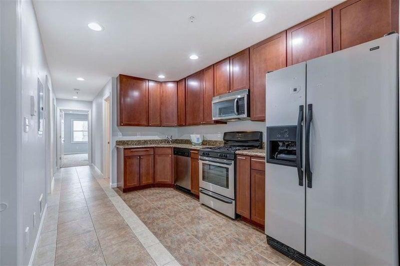 205 69th St #1, Guttenberg, NJ 07093