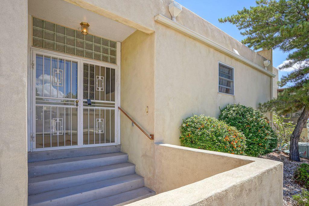 1730 Miracerros Pl NE, Albuquerque, NM 87106