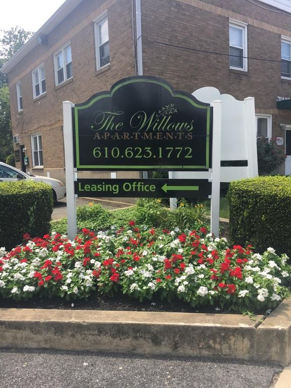 426 S Springfield Rd, Clifton Heights, PA 19018