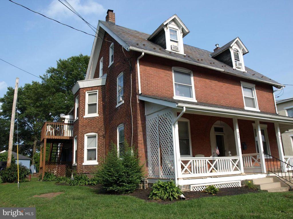 409 W Walnut St #1, Perkasie, PA 18944