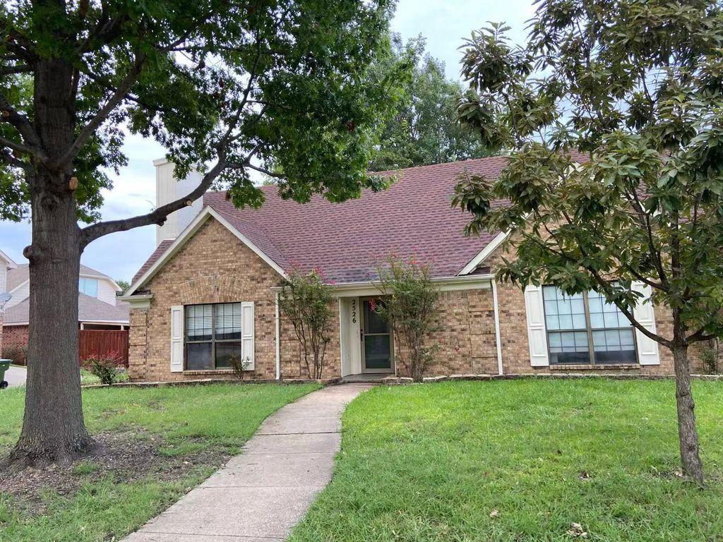 2526 Meadow Ln, Garland, TX 75040
