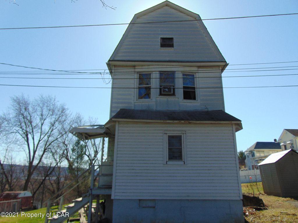 201 Grove St, Hanover Township, PA 18706