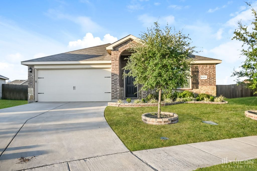 2308 Tombstone Rd, Forney, TX 75126