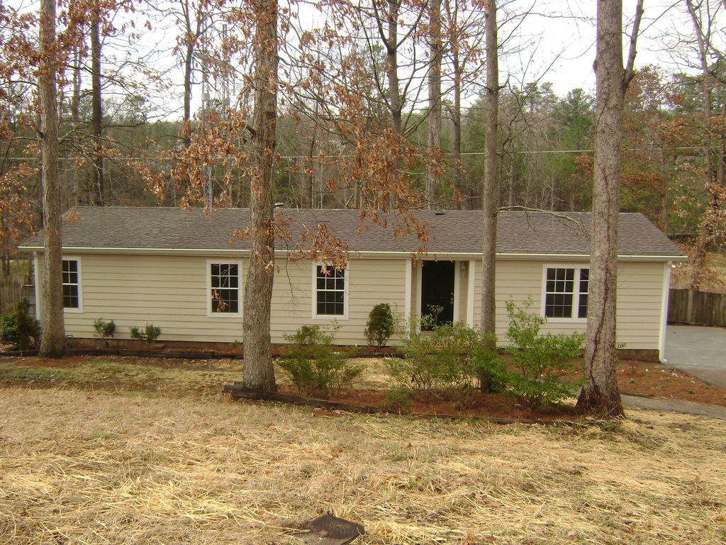 1587 High Sierra Dr, Lawrenceville, GA 30043
