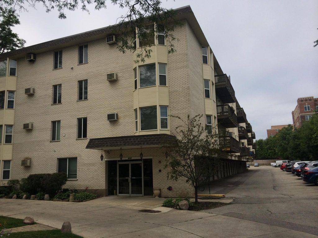 8232 Niles Center Rd, Skokie, IL 60077