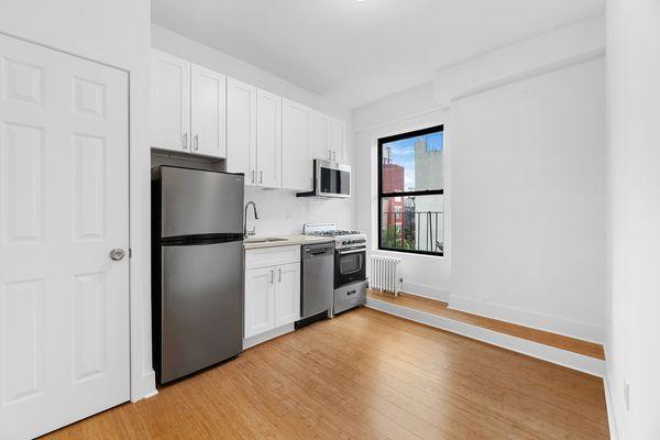 619 E 5th St #23, New York, NY 10009