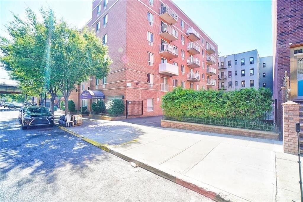970 41st St #309, Brooklyn, NY 11219