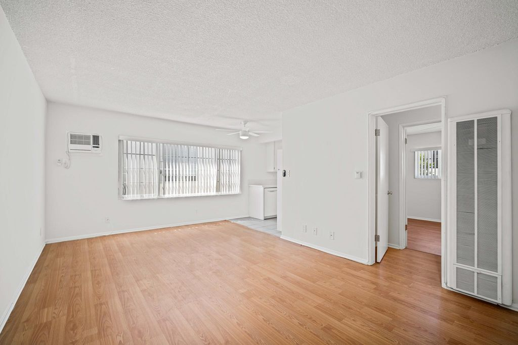 1813 Federal Ave #9, Los Angeles, CA 90025