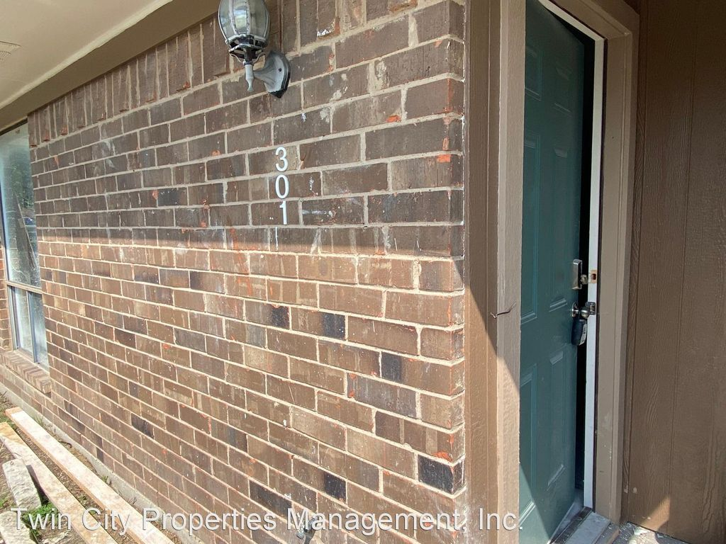 301 Amherst Ct #301, College Station, TX 77840
