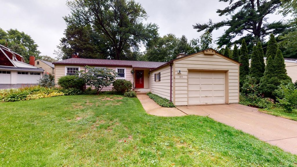 815 10th St SW, Rochester, MN 55902