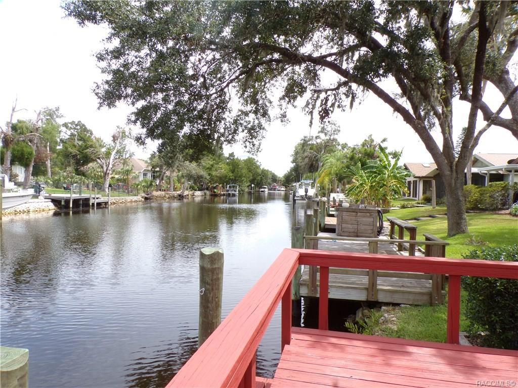 11639 W Riverhaven Dr, Homosassa, FL 34448
