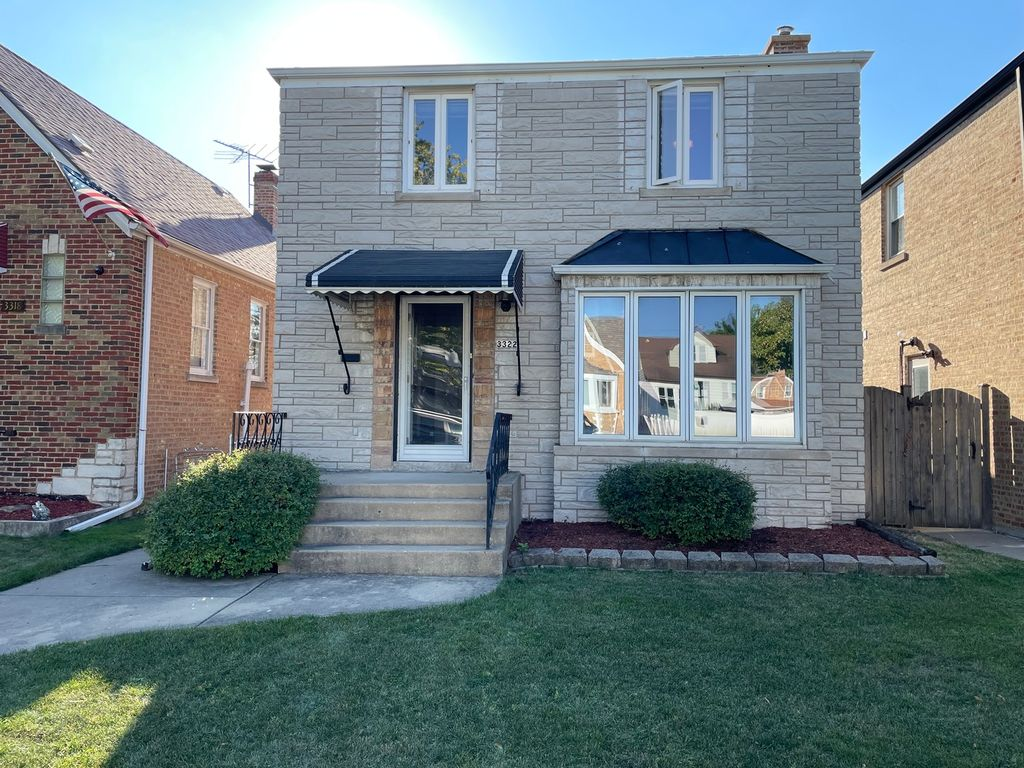 3322 N Pioneer Ave, Chicago, IL 60634