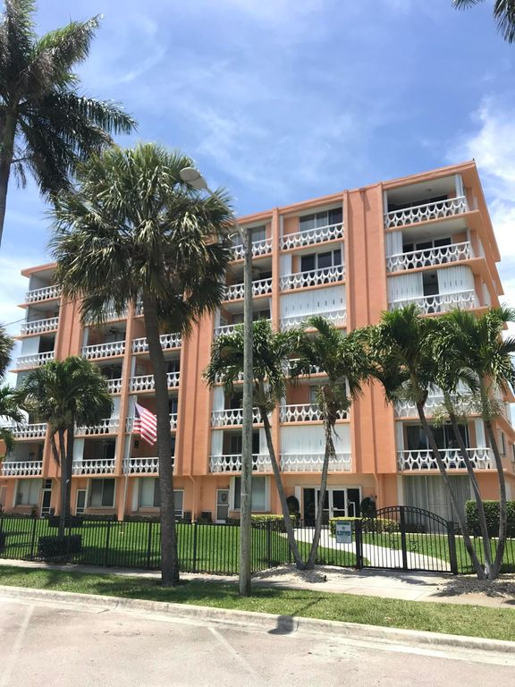 15 S Golfview Rd #201, Lake Worth, FL 33460