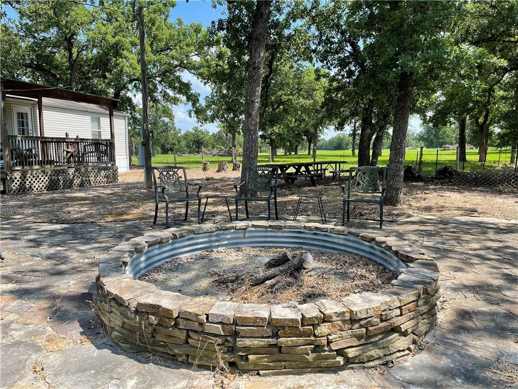 1162 County Road 137, Ledbetter, TX 78946