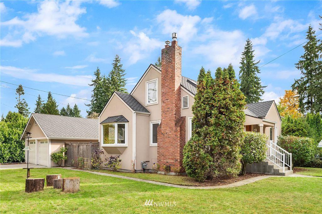 10754 17th Ave NE, Seattle, WA 98125