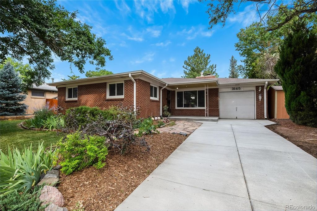 3145 W Monmouth Ave, Englewood, CO 80110
