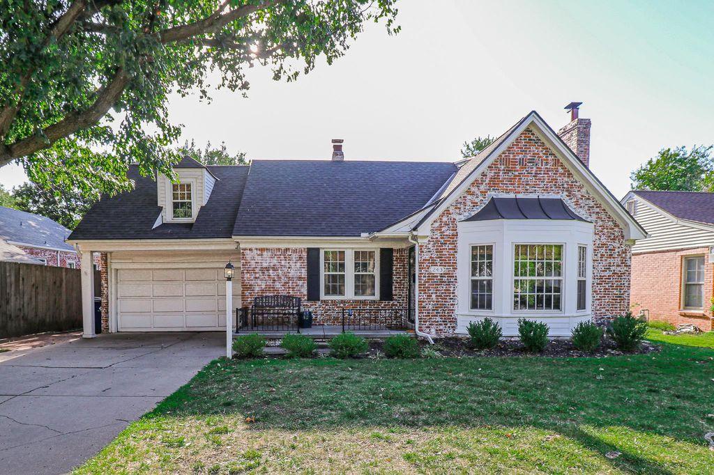 243 N Old Manor Rd, Wichita, KS 67208