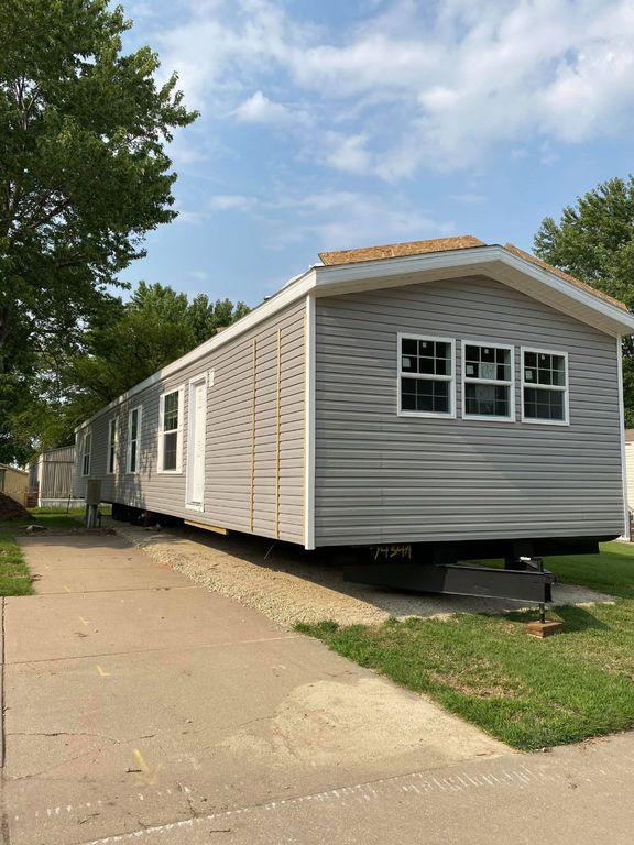 500 E 50th St S #23, Wichita, KS 67216