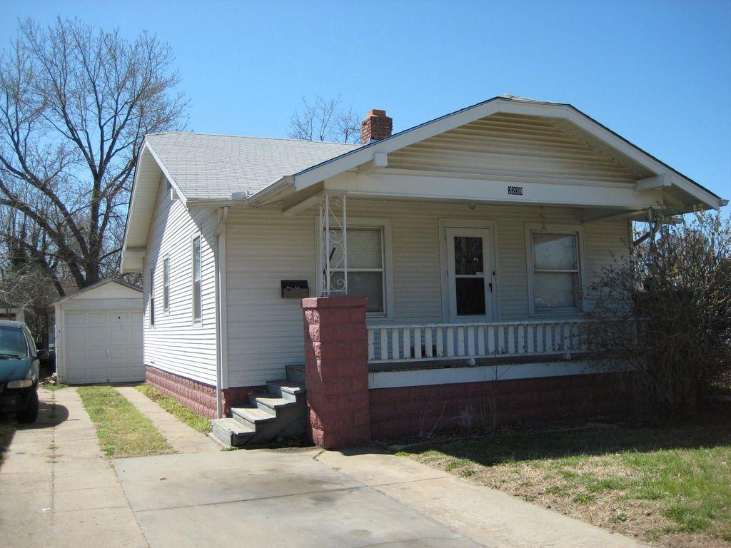 2239 W Maple St, Wichita, KS 67213