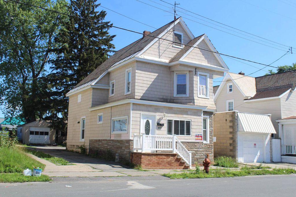 957 Francis Ave, Schenectady, NY 12303