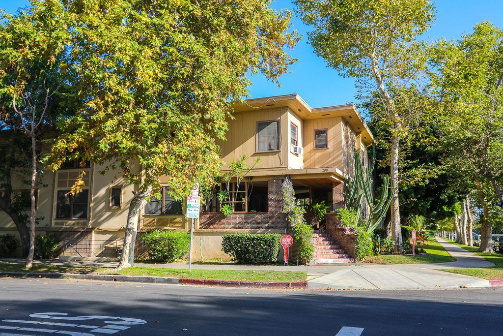 200 S Sycamore Ave, Los Angeles, CA 90036